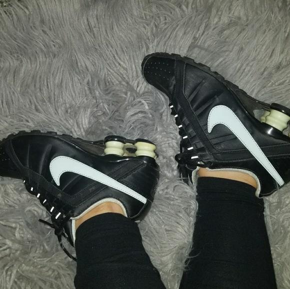 1ee13e0c141403 Nike Shox discontinued style. M 5a662b00f9e501de8cedea95